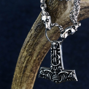Faroese Hammer on Dragon Chain